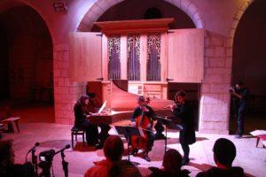 Concert devant l'orgue italien de l'église
