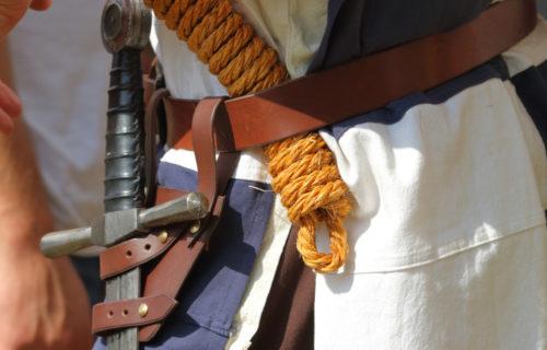 Détails costume de chevalier
